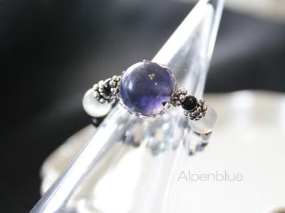 フレーミングワイヤーで作るアイオライトリング(指輪)